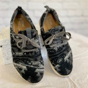 Toms Wool Tribal Print Shoes